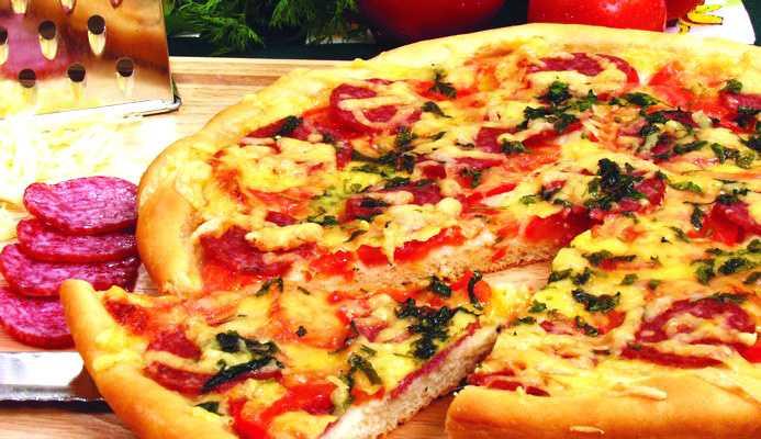 Пицца рецепт с колбасой